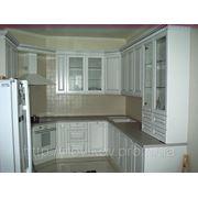 Кухня из массива ольхи. Патина серебро фото