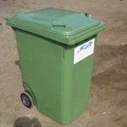 Вывоз бытовых отходов пластиковыми контейнерами фото