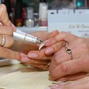 Обучение наращиванию ногтей и ресниц фото