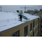 Очистка крыш от снега и сосулек фото