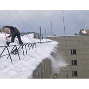 Очистка крыш от снега промышленными альпинистами