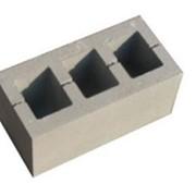 Стеновой камень рядовой трехпустотный фото