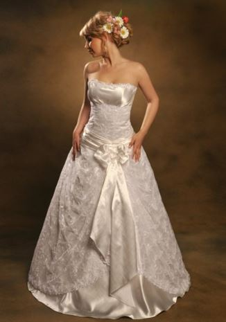 7d7864bd5b95b6 Прокат свадебных платьев Львов, прокат свадебных платьев цены Львов, салон  проката свадебных платьев Львов