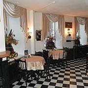 Текстильное оформление интерьера ресторана, кафе, банкетного зала фото