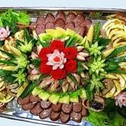 Изготовление и доставка банкетных блюд фото