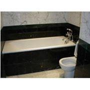 Облицовка стен и пола ванных комнат и душевых кабин гранитом фото
