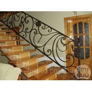 Лестницы открытые с коваными элементами фото