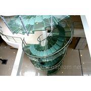 Стеклянная лестница и ступени из закаленного стекла