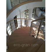 Винтовые лестницы на больцах
