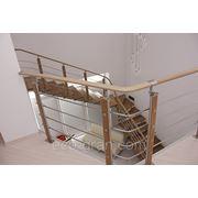 Лестница на металлическом косоуре фото