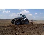 Услуги по обработке земли: вспашка и другие работы по подготовке почвы