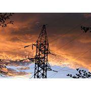 Воздушные линии электропередачи напряжением до и выше 1000 В. фото