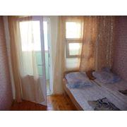 В номерах «Эконом» - класса имеются кровати тумбочки шкаф с зеркалом. В каждой комнате имеется крыльцо или балкон со столом и лавками для отдыха на свежем воздухе. Туалеты и душевые находятся на территории пансионата. фото