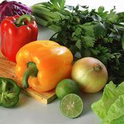 Овощи (баклажаны перец помидоры огурцы) фото