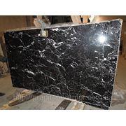 Мраморная плитка черная black pearl фото