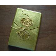 Упаковка-чехол для книг - комбинация двух видов кожи тиснение. фото