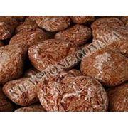 Мраморная галька коричневая фото