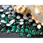 Стразы-копия сваровски Emerald ss 3(1,4мм).Цена за 100шт. фото