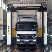 Мойка грузовых автомобилей фото