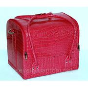 """Сумка-чемодан с выдвижными полочками """"кожа крокодила"""",цвет-розовый лак. Размеры 30х26х23 см. фото"""