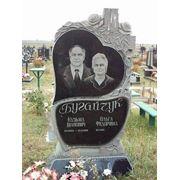 Цоколь резной из габбро-диабаза Приморско-Ахтарск Памятник Роза из двух видов гранита Верхняя Тура
