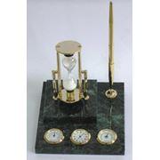 Набор из декоративных песочных часов, ручки, барометра фото