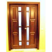 Двери из натуральной древесины. фото