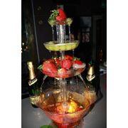 Фонтан для шампанского, вина, соков. фото