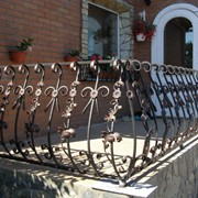 Балконные и лестничные кованые ограждения фото