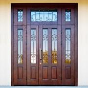 Входные двери с витражами 11 фото