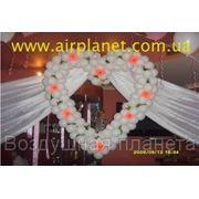 Свадебное оформление банкетных залов, сердца, кольца, фигуры из шариков; шар-сюрприз, гелиевые шары фото