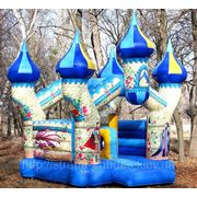 Надувной батут Замок аренда на детский праздник фото