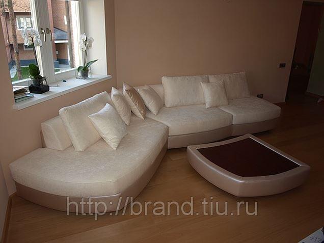 B 108 - угловой диван в гостиную зону.