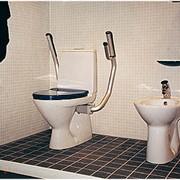 Специальная сантехника для людей с ограниченными физическими возможностями фото