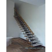 Лестница прямая на металокаркасе фото