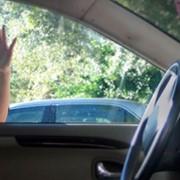 Открытие автомобильного замка в двери отмычками