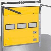 Промышленные автоматические секционные ворота фото