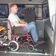 Перевозка инвалидов-колясочников фото
