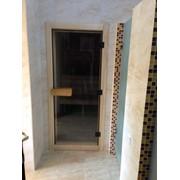 Дверь в сауну из тонированного стекла фото
