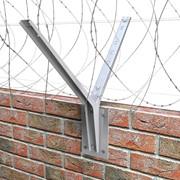 Козырьковые заграждения КЗР для бетонных или кирпичных заграждений фото