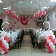 Оформление свадеб шарами, цветочными гирляндами фото