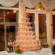 Пирамиды из бокалов с шампанским фото