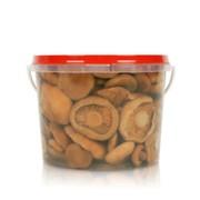 Солёные грибы в пластиковом ведёрке фото