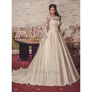 Эксклюзивные королевское платье со шлейфом фото