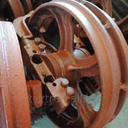 Колесо натяжное 50-21-305СП в сборе (левое) фото