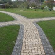 Мощение улиц, дорог и тротуаров из натуральных и искусственных камней фото