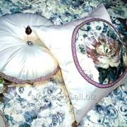 Покривала, декоративні подушки для спальні фото