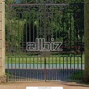 Ворота распашные и раздвижные фото