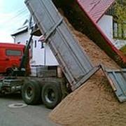 Песок крупнозернистый с перевозкой фото