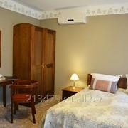 Мебель из массива сосны для гостиниц фото